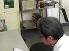Meaty Japanese bimbo got fucked by her gynecologist