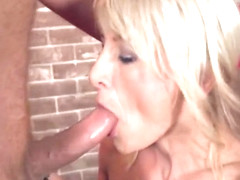 40 lady gets fucked