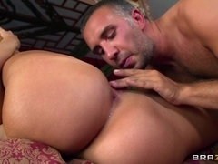 Big Tits In Sports: The Hottest Yoga Class in LA. Richelle Ryan, Keiran Lee