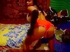 Eloise dances on webcam