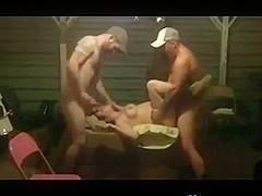 Rednecks Share A Nympho In A Trio