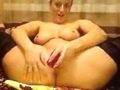 NicePeach spread her legs and fuck their holes