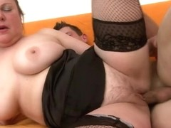 Chunky mamma likes to fuck hard and lengthy