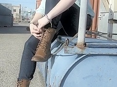 Alyx's Solo Foot Show