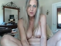 hawt granny with sextoy