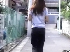 She shakes her tight booty for a Japan sharking clip