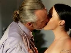 Teen hottie licked by elderly fella