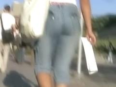 Hot amateur brunette candid jeans video