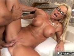 Rhylee Richards, Ramon Nomar in Titty time Video