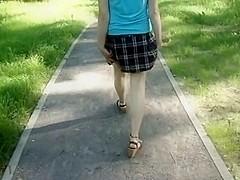Widening my wazoo cheeks outdoors
