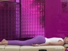 Dirty Masseur: Riley Reid's Big Black Cock Massage