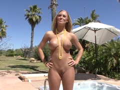 Gorgeous Nicole Aniston exposes sweetest parts