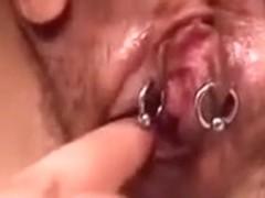 Labia pierce after