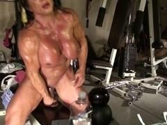 Lynn Live Muscle Cam