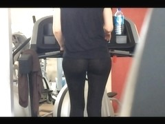 legging through gym