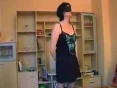Fist anal debutante bien cochonne
