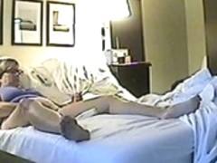 Hidden sex cam filmed a horny minx jilling off
