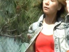 Public sharking video showing an adorable Japanese gal