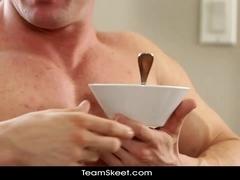 Boning & Breakfast