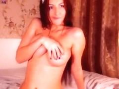 GessiStar fondles her tits