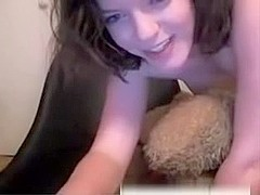 immature webcam girl fucks teadtbear