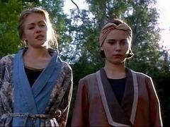 Elle MacPherson,Kate Fischer,Pamela Rabe,Tara Fitzgerald,Portia De Rossi in Sirens (1994)