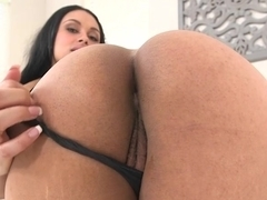 Honey Lou and Bethany Benz sharing a dick
