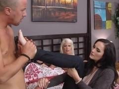 milf Bianca Breeze slammed in threesome