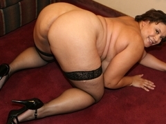 Monet Staxxx is having some good time sucking cock