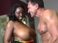 Marco Banderas caressed by BBW Melissa Reed