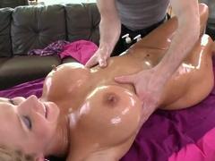 Nikki Sexx enjoys a hardcore oily massage
