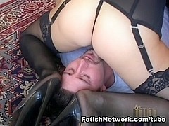 EliteSmothering Video: He assed for it