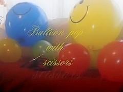 beautiful looners - Scissors vs Balloon trailer