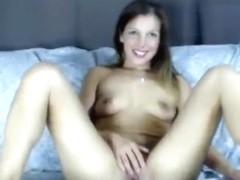 ArielleSundae caresses her pussy