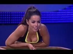 Sexy Fernanda Brandao - Ausschnitt