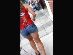 Cute Ass Canadian Girl Candid... Canadid?