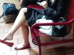 Candid Glamourous Blonde Legs Feet Shoeplay Dangling