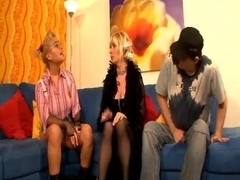 Amateur Mature Casting In Threesome