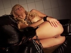 Kinky girl Ivana Sugar enjoys in a bdsm solo