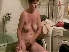Mature lady masturbates very sexy