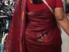 huge ass sexy mom in sari jiggling