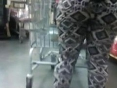 Big ass in leggings at the market
