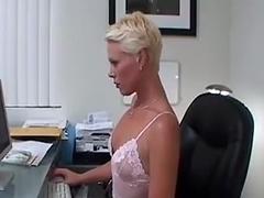 Kira loves to suck cock