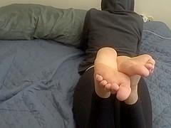 size 13 soles footjob