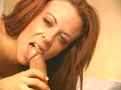 Shauna Banks eats goo