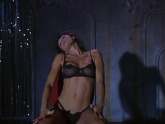 Demi Moore,Rena Riffel in Striptease (1996)