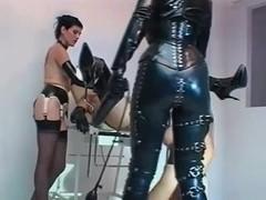 Herrin Silvia & Lady Christina - Fisting games