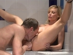 Super Sexy mother I'd like to fuck Holly Sampson 5