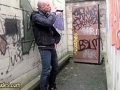 Public amateurs suck cock