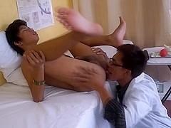 DoctorTwink Video: Dr Gayvaras Suck Patient